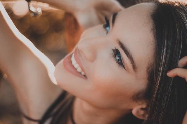 Beautiful Girl | Dentist Downtown Calgary | Eau Claire Park Dental